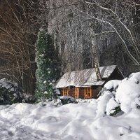 Домик в снегу :: Сергей