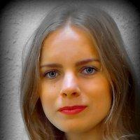 В оконном стекле отражаясь, по миру идет не спеша хорошая девочка Настя. Да чем же она хороша? :: A. SMIRNOV
