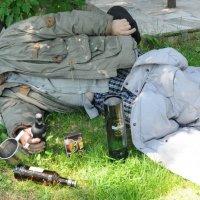 """Отдых на траве...(из серии """"Жизнь разочарованного человека"""") :: Борис"""