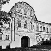 Дом купцов Рыжковых  в Калязине (нач.  19 в.) :: Евгений Кочуров