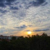 Восход на улице  Космонавтов :: Cергей Кочнев