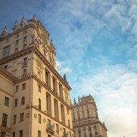 Советский монументализм. Хочется бесконечно рассматривать каждое окно. :: Евгения Кирильченко