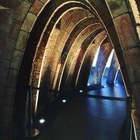 Арки площадки собора в Бристоле.Великобритания. :: Борис