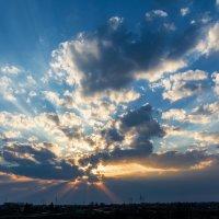 Закат (вид из окна) :: Виктор Желенговский