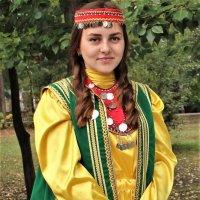 Девушка в башкирском костюме. :: Венера Чуйкова
