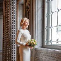 Невеста у окна :: Виталий Устинов