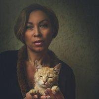 Дама с котом :: Елена
