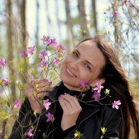 Цветы цветут, целомудрием цветения ценя, цепляя цвет! :: Владимир Куликов