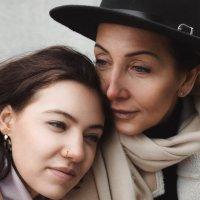 Яна и Вероника :: Надежда Кузьмина
