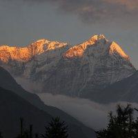 Закат в горах :: Александр Россихин