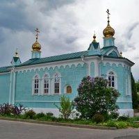 Церквушка на территории монастыря :: Елена Кирьянова