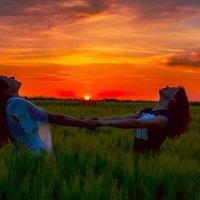Счастье на восходе солнца :: Владимир Ушаров