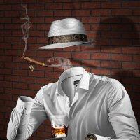 Человек невидимка. Коллаж. (Курение вредно) :: Владимир Гурьянов