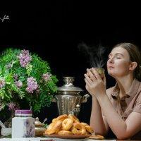 Утреннее кофе с пончиками :: Наталья Татьянина