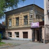 Шахты. Дом по ул. Ленина 154. :: Пётр Чернега