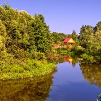 Хорошо иметь домик в деревне на берегу реки :: Валерий Иванович