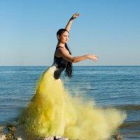 Танец у моря :: Виктория Гревцева