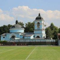 Футбольное поле с видом на Петра и Павла... :: Юрий Моченов