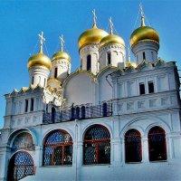 И месяц купол задевает :: Vera Ostroumova