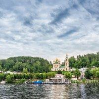 Воскресенская церковь с воды :: Юлия Батурина