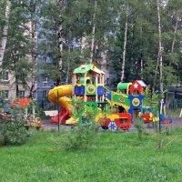 а у нас во дворе :: Galina Solovova
