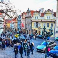 Дом поэта Яна Неруда на Нерудовой улице в Праге :: Eldar Baykiev