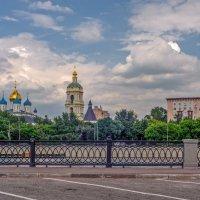 Проезжая по набережной :: Валерий Иванович