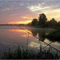 Рыбалка в августе :: Геннадий Худолеев