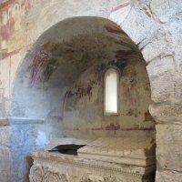 саркофаг в церкви Николая Чудотворца :: Galina Solovova