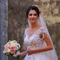 Невеста в старом городе :: Любовь С.