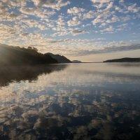 Восход солнца над озером Вилюй :: Дмитрий Андрусенко