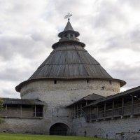 Сторожевая башня Псковского Кремля... :: Cергей Павлович