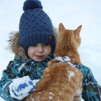 Первый снег. Прогулка с котом Осипом :: Борис