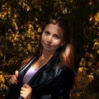 В осеннем парке :: Андрей Киселев