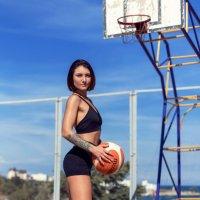 Девушка-спортсменка :: Геннадий Б