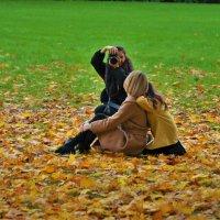 Посреди золотого листопада... :: Sergey Gordoff