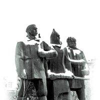 Скульптурная композиция на площади Ленина в Новосибирске :: Елена Берсенёва
