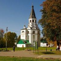 Распятская церковь-колокольня :: Сергей Моченов