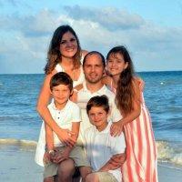 Лето  радости в Никарагуа(Дружная  семья) :: Виталий Селиванов