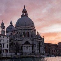 Венеция. Вечер. 04.02.2020. Закат. :: Надежда Лаптева