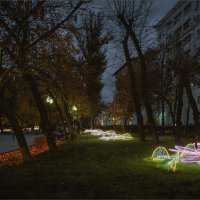 Вечер на Чистопрудном бульваре... :: Сергей Кичигин