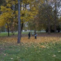 В Гагаринском парке :: Валентин Семчишин