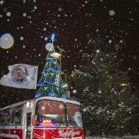 Автобус-кофейня.... Снежным новогодним вечером... :: Наталья Меркулова