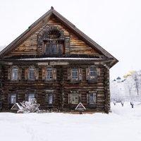 Русская изба ( г. Кострома ) :: Сергей Поникаров