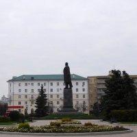 Памятник Ленину в Пензе на центральной площади :: Оливер Куин