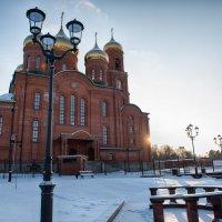 Собор в морозный солнечный день :: Алексей Клименко