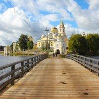 Путь в монастырь :: Валерий