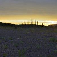 Ночь опустилась на плато :: Александр Хаецкий