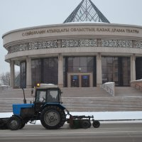 Театр начинается с тракторов... :: Георгиевич