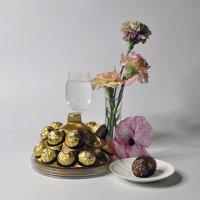 Натюрморт с конфетами. :: Любитель